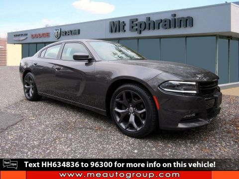 Pre-Owned 2017 Dodge Charger SXT RWD 4dr Car